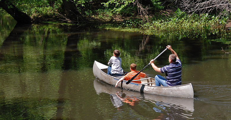 Canoeing at Holiday Park Campground